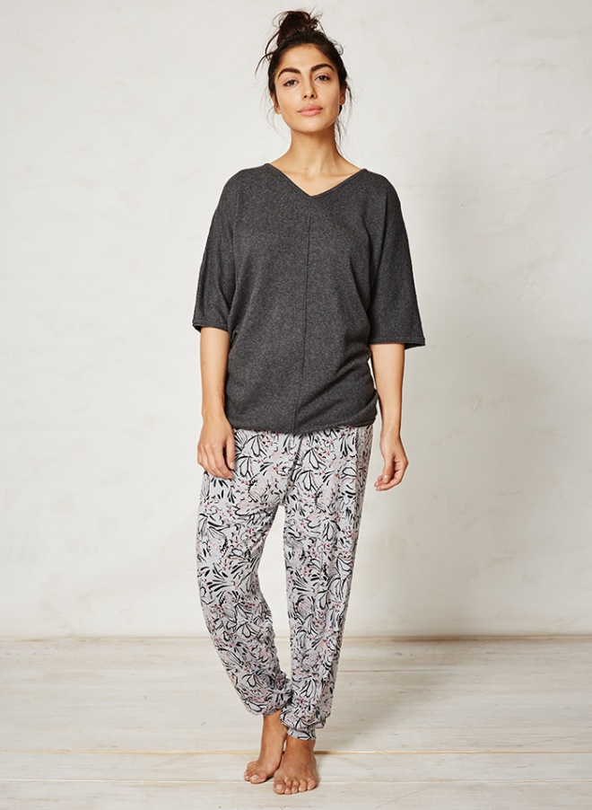 WST2601-Briar-Charcoal-Organic-Cotton-Wool-Top-Front
