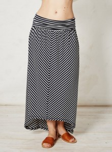 wsb2588-eviana-bamboo-stripe-skirt-navy-front-close